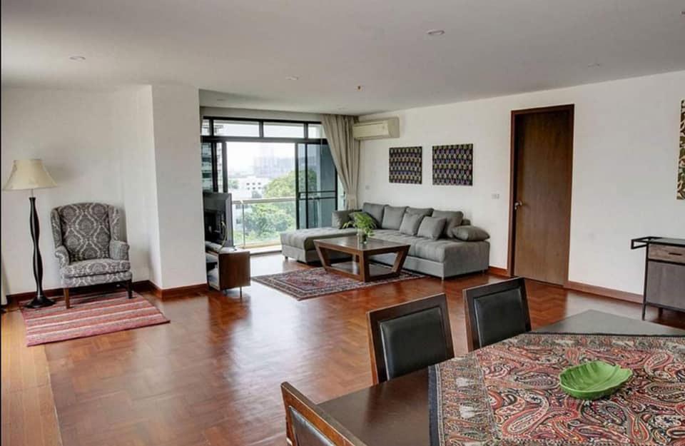 Baan Prompong - 2 bed 3 bath - floor 9