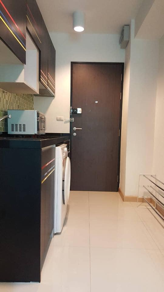 Chateau in Town - 2 bed 1 bath - floor 2
