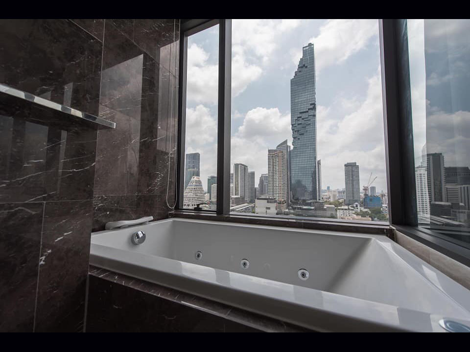 Ashton Silom - 2 bed 2 bath - floor 16