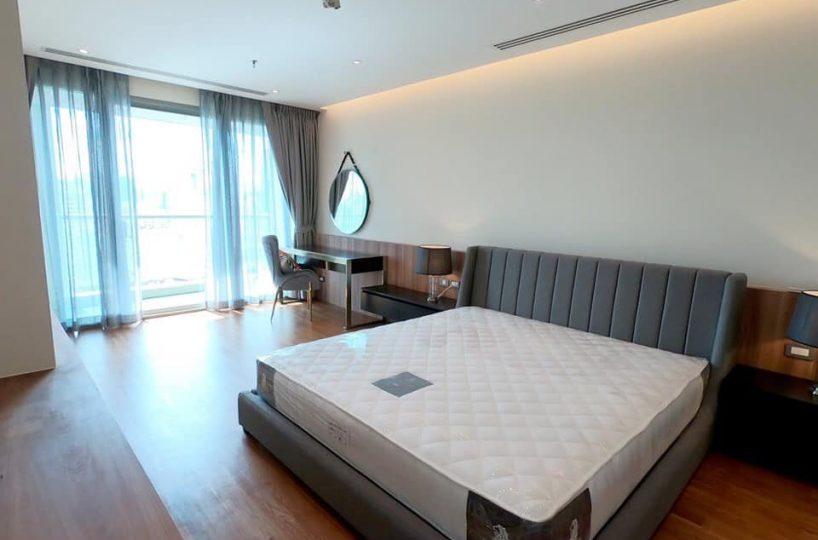 R962 The Lake - 3 bed 3 bath - floor 24