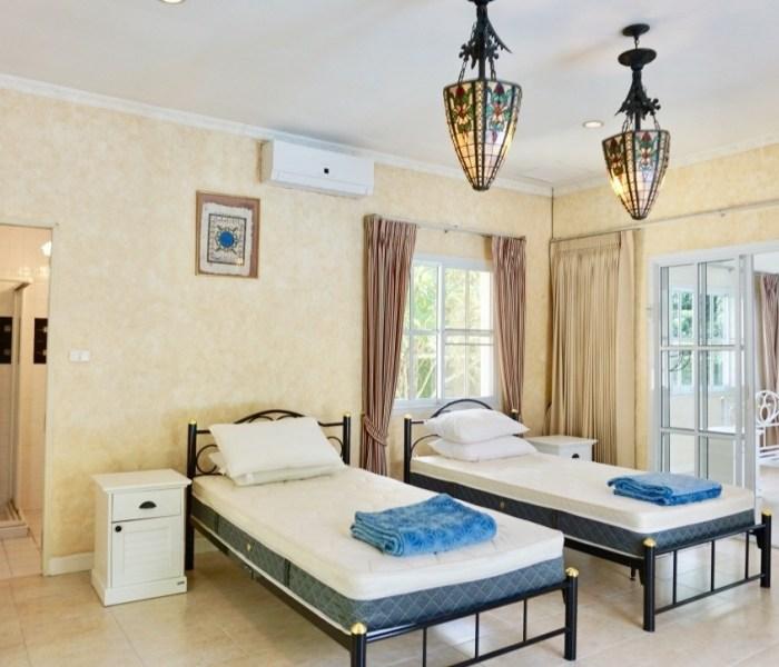 Banwangtan Moo Ban Hang Dong Chiang Mai - 4 bed 4 bath
