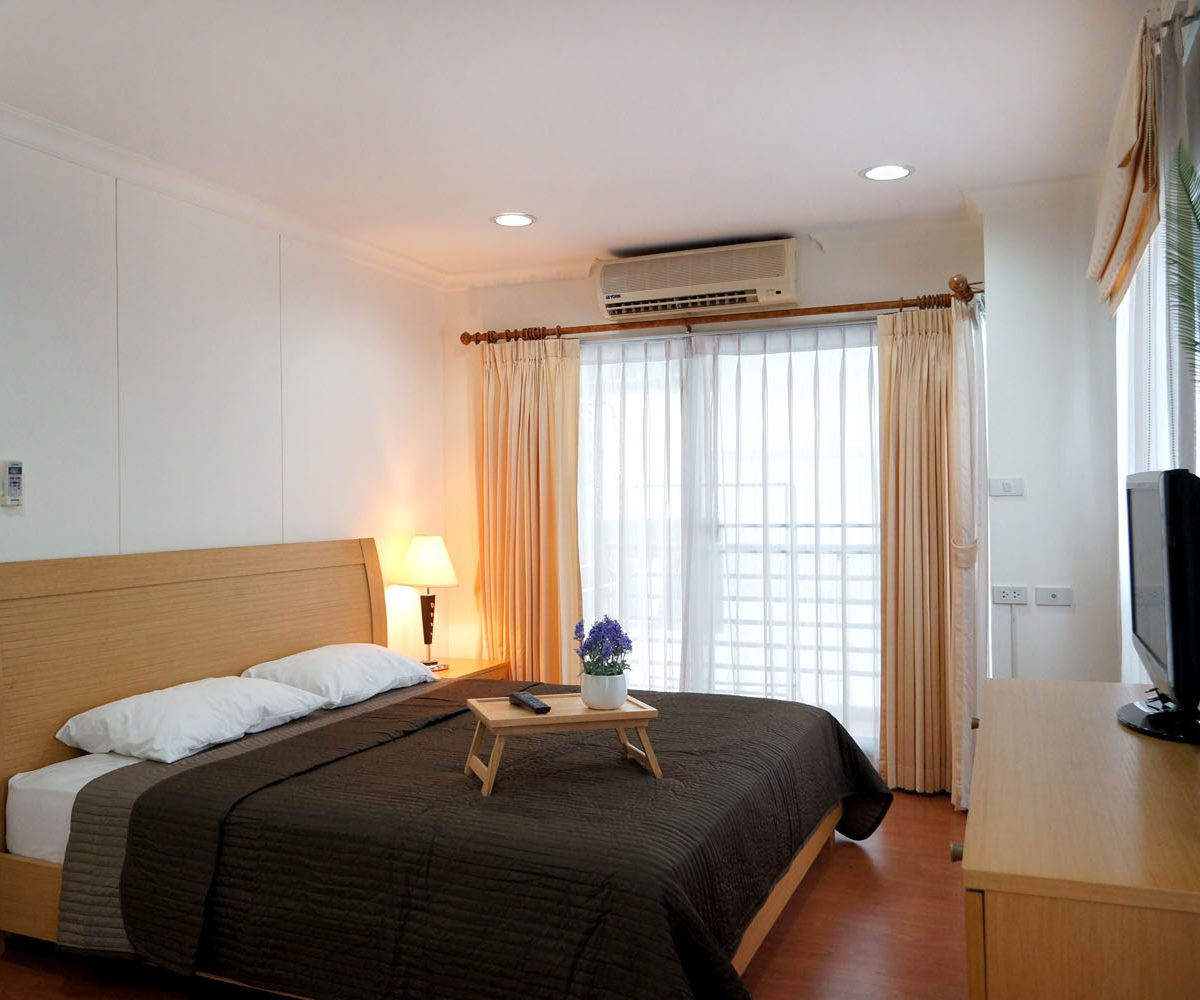 R1427 Lumpini Suite Sukh. 41 - 2 bed 1 bath - floor 8