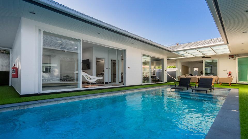 Pool & Living Room - One-Story Pool Villa Rawai 4 beds 4 baths