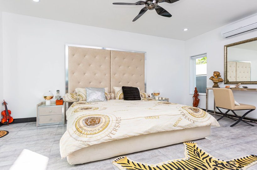 Master Bedroom Front - One-Story Pool Villa Rawai 4 beds 4 baths