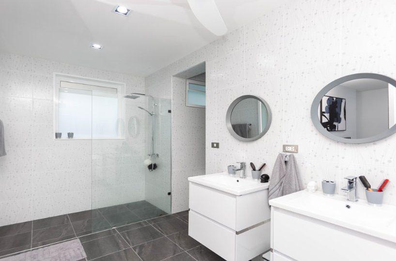 Bathroom 3 Wash Area - One-Story Pool Villa Rawai 4 beds 4 baths