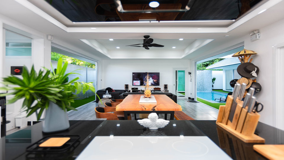 Dining Area - One-Story Pool Villa Rawai 4 beds 4 baths