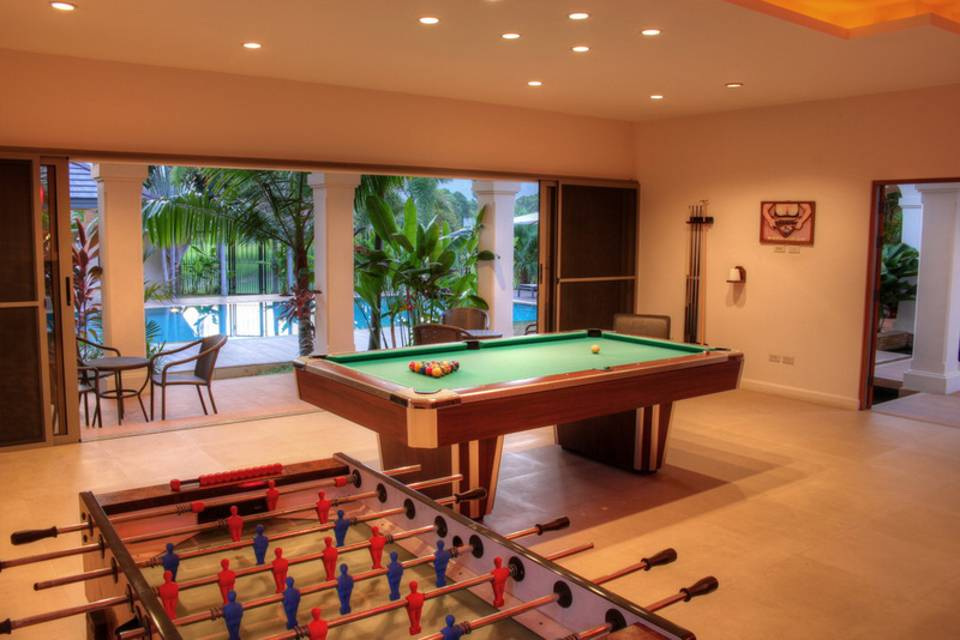 Game Room Pool - Villa NamChai Rawai
