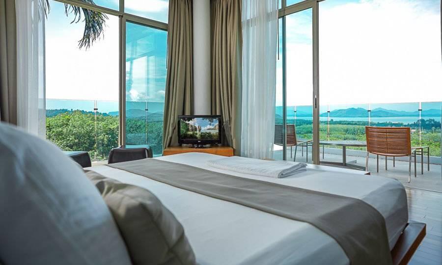 Bedroom w/ Views - Villa Dao Tiem